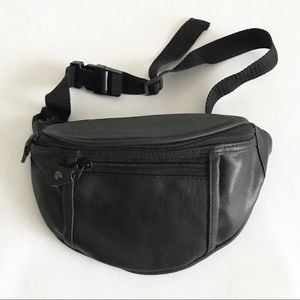 Handbags - Faux Leather Fanny Pack